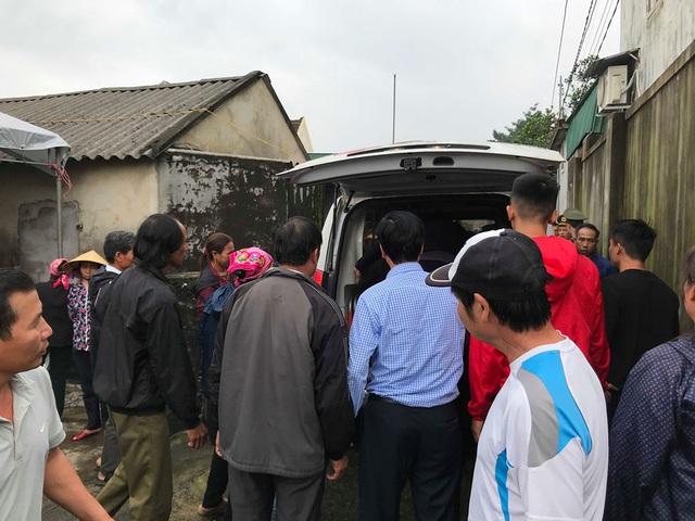 Bàn giao thi thể 8 nạn nhân  ở Hà Tĩnh cho các gia đình mai táng - Ảnh 2.