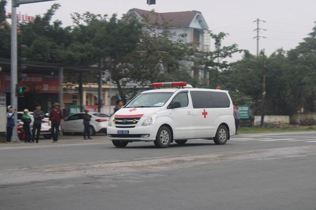 Bàn giao thi thể 8 nạn nhân  ở Hà Tĩnh cho các gia đình mai táng - Ảnh 1.
