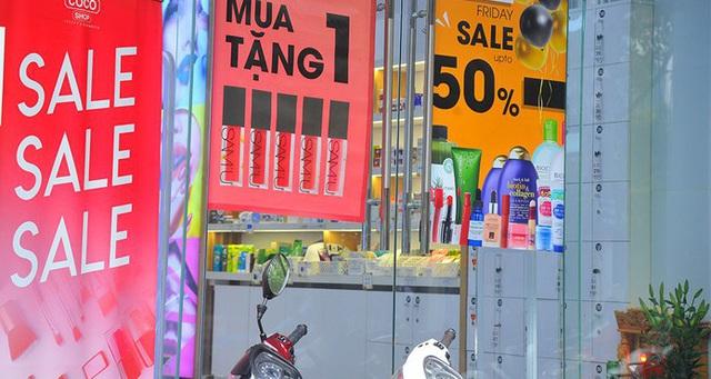 Mẹo tránh mua phải hàng giả, hàng fake mà các chủ cửa hàng hay trộn lẫn để bán giá thấp cho khách trong ngày Black Friday - Ảnh 3.