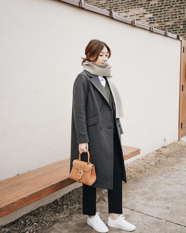 Trời chuyển lạnh, chị em cần trau dồi ngay 4 tips diện áo khoác giúp vóc dáng như gầy đi vài kilogram - Ảnh 6.