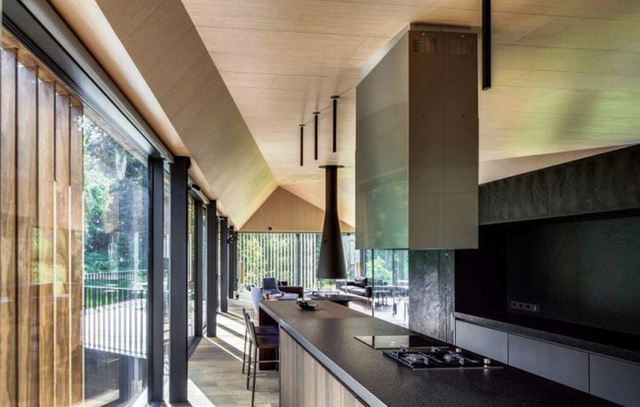 Những ý tưởng trang trí nhà bếp màu đen siêu ấn tượng - Ảnh 17.