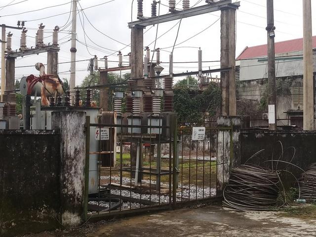 Công nhân sửa điện không mang đồ bảo hộ bị điện giật tử vong - Ảnh 1.