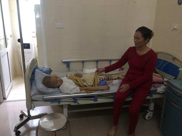 Xót xa nữ sinh xứ Thanh phát hiện bệnh ung thư khi sắp nhận bằng tốt nghiệp đại học - Ảnh 2.