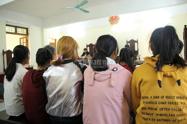 Gia đình 5 nữ sinh lột đồ, đánh bạn học rồi tung clip lên mạng từ chối đền bù 500 triệu - Ảnh 1.