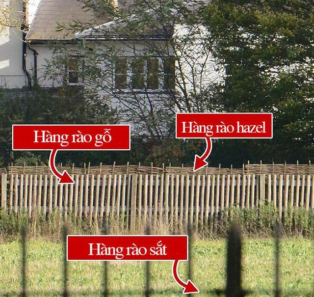 Nhà Harry - Meghan lắp hàng rào thứ ba - Ảnh 1.