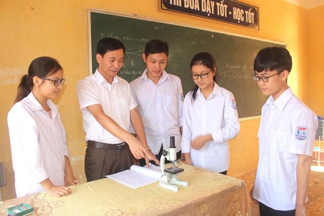 Trường THPT Khúc Thừa Dụ: Vươn mình khẳng định vị thế - Ảnh 2.