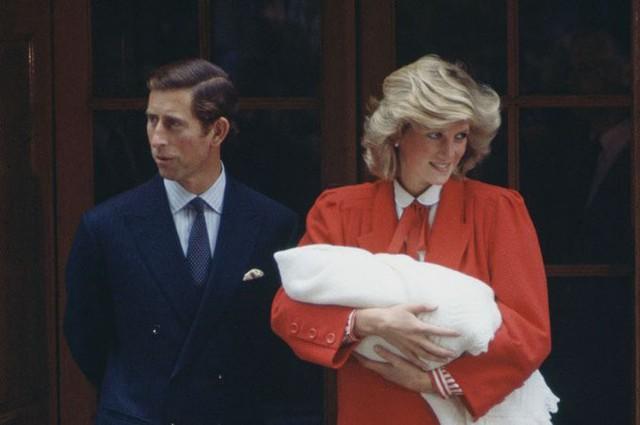 Công nương Diana giữ bí mật với Charles giới tính đứa con thứ hai - Ảnh 1.