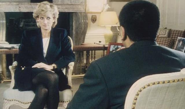Nữ hoàng từng viết thư yêu cầu Diana bỏ Charles - Ảnh 1.