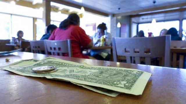 Bóc lộ 10 tuyệt chiêu dắt mũi thực khách của nhà hàng - Ảnh 4.
