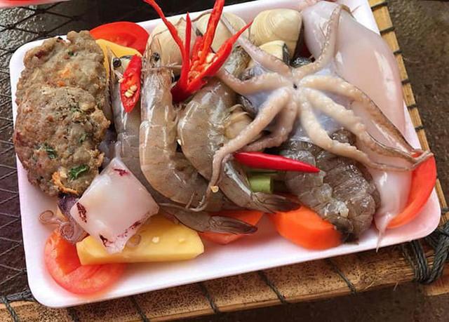 Bữa nhậu đáng sợ, chân gà Mỹ, xúc xích Tàu, lòng thối Việt Nam - Ảnh 7.