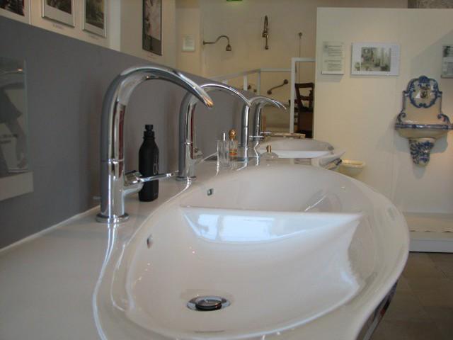 Những vật dụng trong nhà bạn nhất thiết phải vệ sinh định kỳ - Ảnh 5.