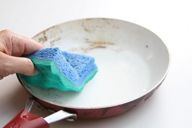 Những vật dụng trong nhà bạn nhất thiết phải vệ sinh định kỳ - Ảnh 8.