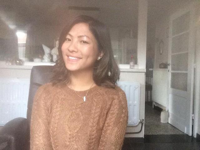 Cô gái HMông nói tiếng Anh như gió hậu ly hôn: Càng ngày càng xinh đẹp và cực thân với bố mẹ chồng cũ - Ảnh 1.