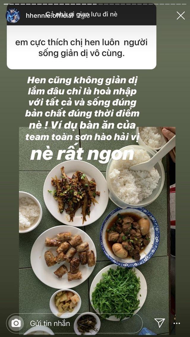 Hoa hậu nghèo nhất Việt Nam chia sẻ mâm cơm, chứng minh bản thân không giản dị  - Ảnh 1.