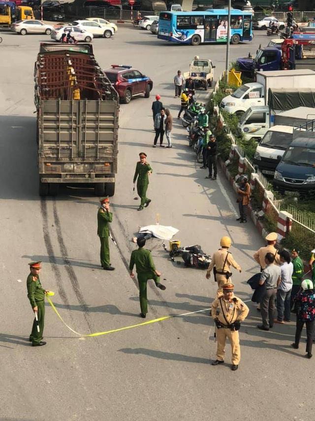 Hà Nội : Nữ sinh 19 tuổi tử vong thương tâm sau khi va chạm với xe đầu kéo - Ảnh 2.