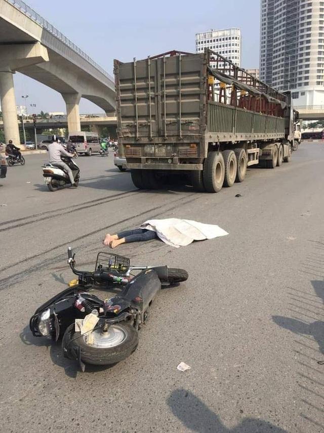 Hà Nội : Nữ sinh 19 tuổi tử vong thương tâm sau khi va chạm với xe đầu kéo - Ảnh 3.