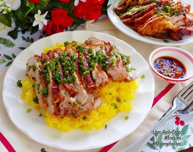 Mẹ làm bữa sáng xôi nghệ thịt gà rim, cả nhà thích mê  - Ảnh 1.