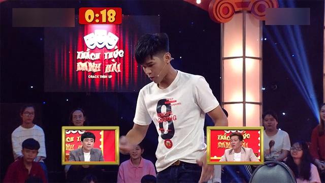 Trấn Thành, Trường Giang, Ngô Kiến Huy bị bắt quỳ gối giữa sân khấu - Ảnh 8.