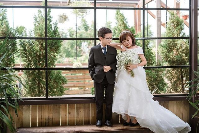 Đám cưới cặp đôi tí hon như học sinh lớp 1 gây bão trên MXH khiến nhiều người xúc động - Ảnh 8.