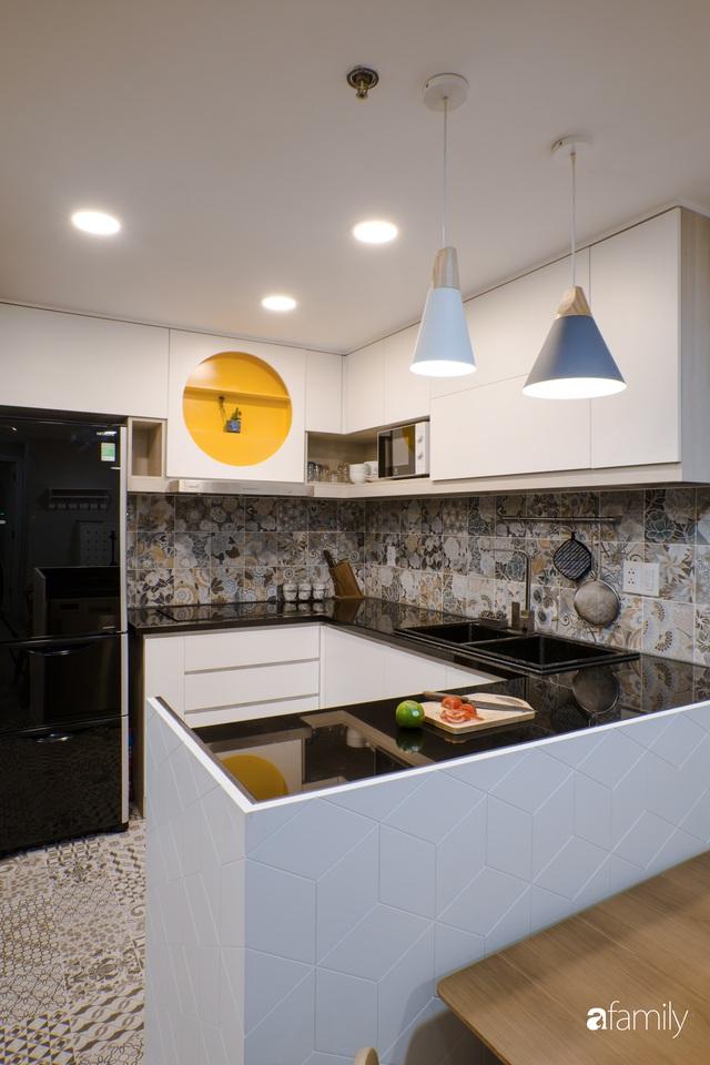 Căn hộ 60m² vừa xinh vừa ấm cúng của mẹ đơn thân ở TP. HCM là niềm mơ ước của bao người, đặc biệt là khu bếp - Ảnh 9.