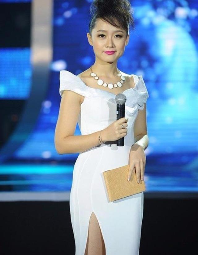 Nhan sắc xinh đẹp của BTV Thời sự VTV từng thi hoa hậu vừa bí mật ăn hỏi ở tuổi ngoài 30 - Ảnh 6.