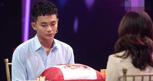 Bạn gái khóc khi diễn viên Anh Tú từ chối nối lại tình cảm - Ảnh 1.