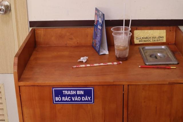 Giật mình với những đống rác bất thường trong các cửa hàng tiện lợi - Ảnh 3.