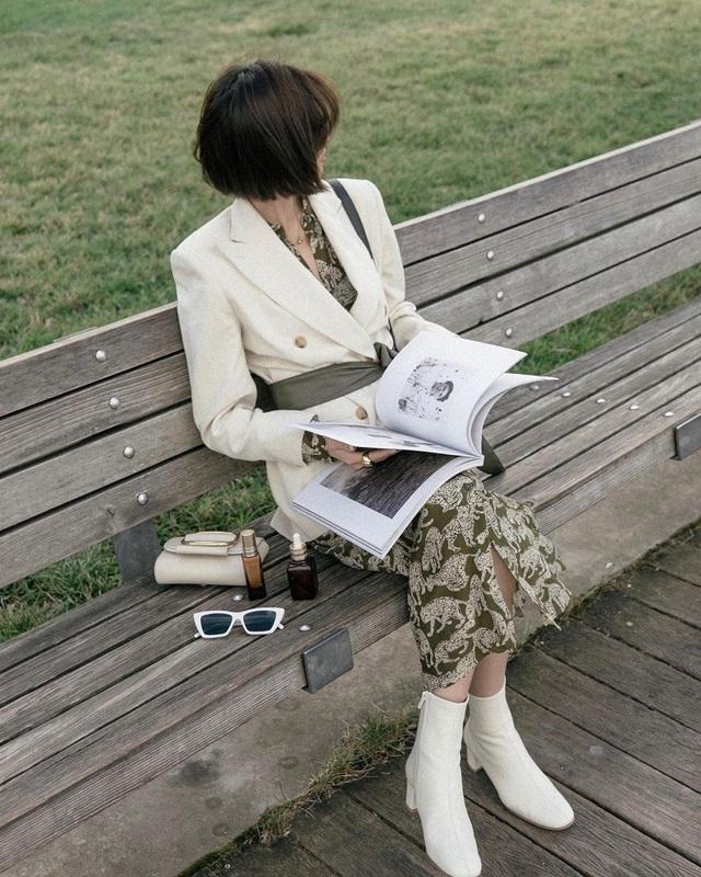 Công thức váy + boots đã thuộc hàng kinh điển, bạn không nên lơ là 3 cách diện chuẩn xinh và tôn dáng sau - Ảnh 4.