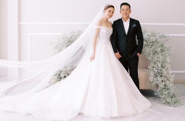 Con trai góp mặt trong ảnh cưới Giang Hồng Ngọc - Ảnh 4.