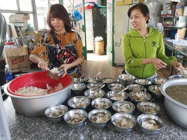 Người đàn ông Sài Gòn tặng cơ ngơi 100 tỷ, xây thêm nhà nuôi trẻ mồ côi - Ảnh 3.