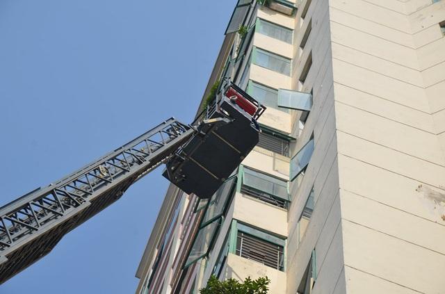 Hà Nội: Cháy căn hộ chung cư, một người bị thương nhẹ  - Ảnh 2.