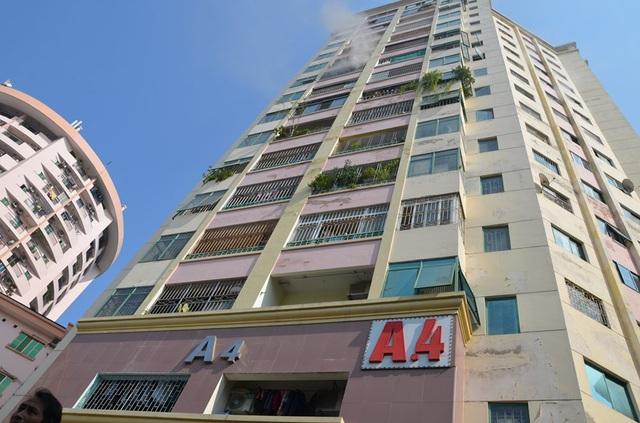 Hà Nội: Cháy căn hộ chung cư, một người bị thương nhẹ  - Ảnh 1.