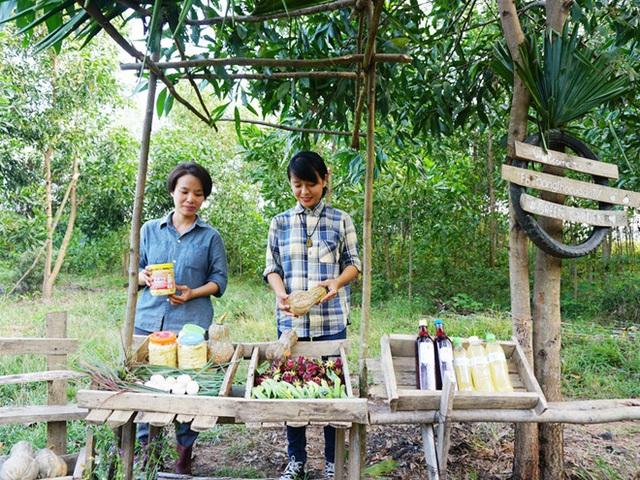 Hai cô gái trẻ bỏ công việc lên rừng làm nông nghiệp thuận tự nhiên - Ảnh 2.