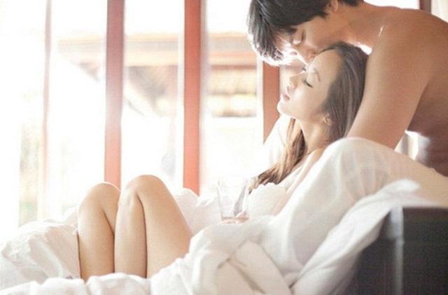 Đàn ông dễ dàng bị phấn khích khi đàn bà làm chủ cuộc chơi: Cùng nghe sư tử trên giường giải mã những bí mật - Ảnh 2.