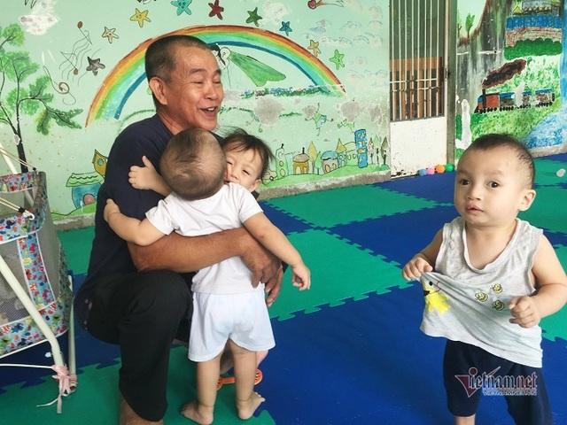 Người đàn ông Sài Gòn tặng cơ ngơi 100 tỷ, xây thêm nhà nuôi trẻ mồ côi - Ảnh 1.