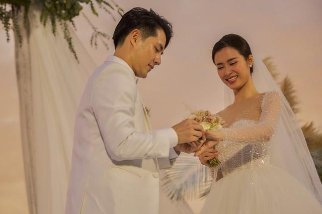 Những khoảnh khắc xúc động trong lễ cưới Đông Nhi - Ông Cao Thắng - Ảnh 4.