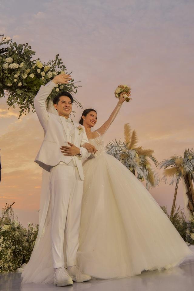 Những khoảnh khắc xúc động trong lễ cưới Đông Nhi - Ông Cao Thắng - Ảnh 6.