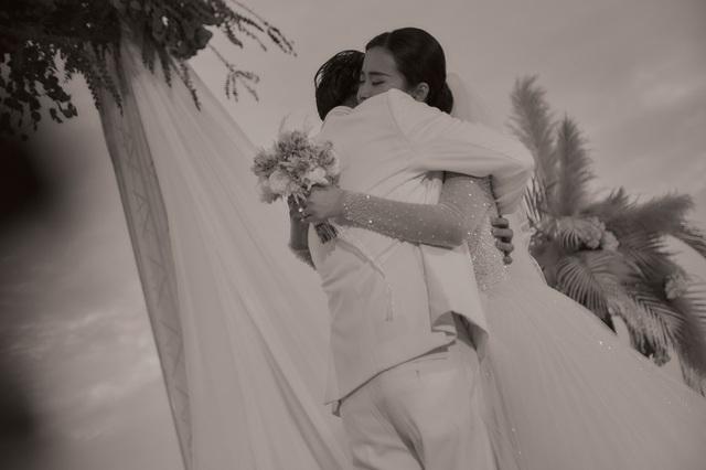 Những khoảnh khắc xúc động trong lễ cưới Đông Nhi - Ông Cao Thắng - Ảnh 8.