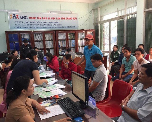 Quảng Ngãi: Hơn 86.000 người tham gia bảo hiểm thất nghiệp - Ảnh 1.