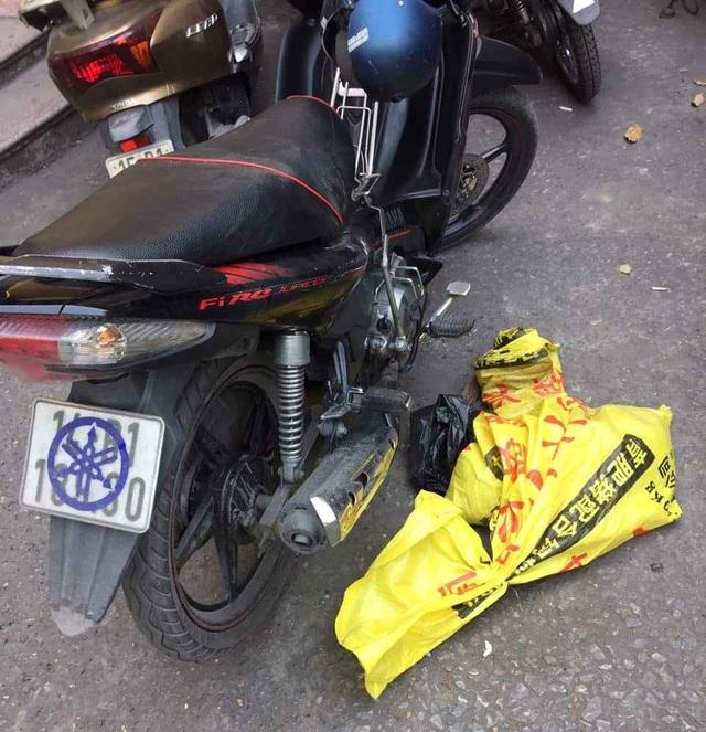 Quảng Ninh: Trên đường tuần tra, cảnh sát giao thông bắt được đối tượng trộm chó - Ảnh 1.