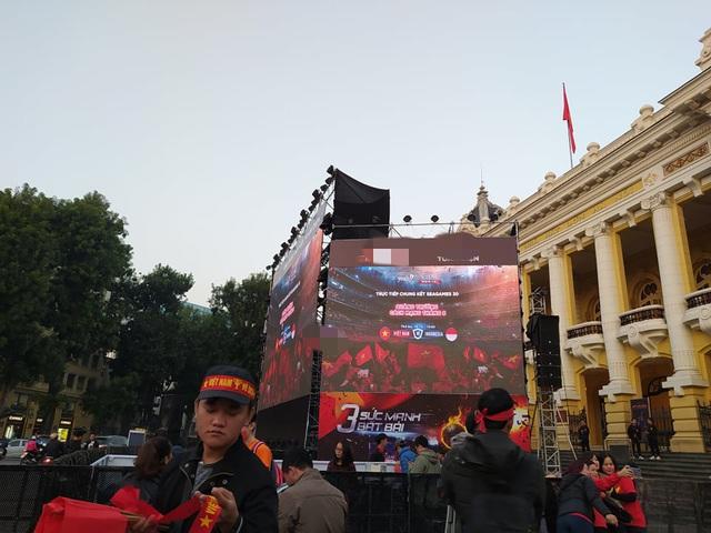 Hàng triệu người dân Việt xuống đường mừng chiến thắng 3-0 của U22 - Ảnh 63.