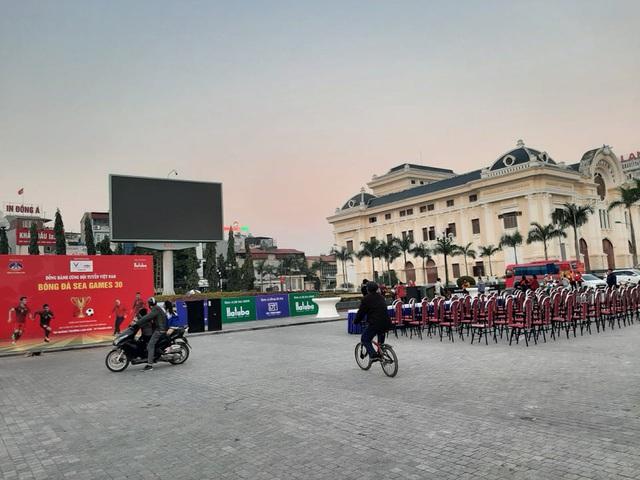 Hàng triệu người dân Việt xuống đường mừng chiến thắng 3-0 của U22 - Ảnh 59.