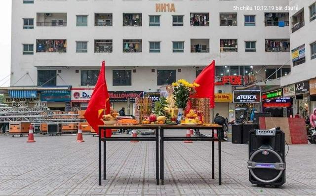 Hà Nội: Cư dân HH Linh Đàm cúng xôi gấc, gà luộc cầu may cho U22 Việt Nam giành chức vô địch - Ảnh 4.