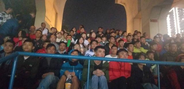 Hàng triệu người dân Việt xuống đường mừng chiến thắng 3-0 của U22 - Ảnh 41.