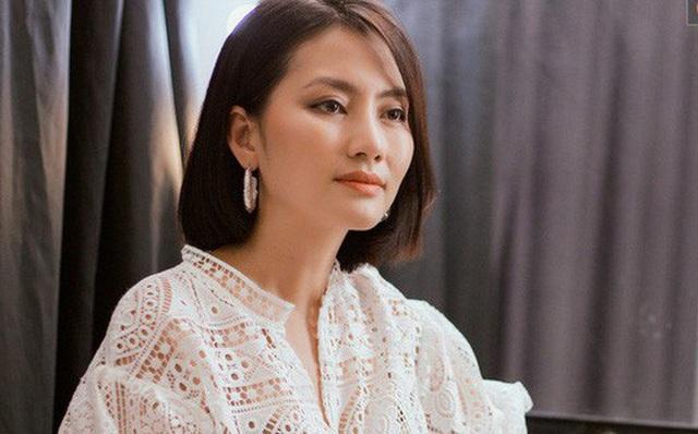 Ngọc Lan liên tục đăng trạng thái buồn hậu ly hôn Thanh Bình nhưng gây chú ý nhất vẫn là hình ảnh trên tay còn đeo nhẫn ở ngón áp út - Ảnh 1.