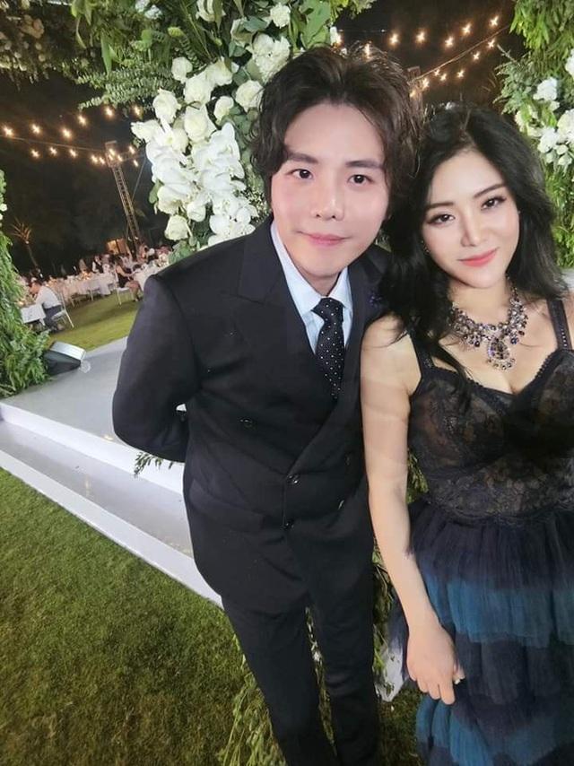 Lộ ảnh cũ Trịnh Thăng Bình ôm em gái Ông Cao Thắng khiến ai cũng xuýt xoa: Đẹp đôi thế không yêu thì phí! - Ảnh 2.