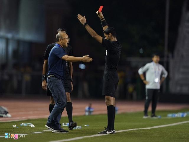 HLV Park bật mí bí quyết chiến thắng, chia sẻ về tấm thẻ đỏ phải nhận - Ảnh 3.