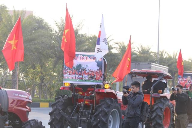 Thủ tướng Nguyễn Xuân Phúc chúc mừng HLV Park Hang-seo, Mai Đức Chung và toàn thể các cầu thủ vàng của bóng đá Việt Nam - Ảnh 34.