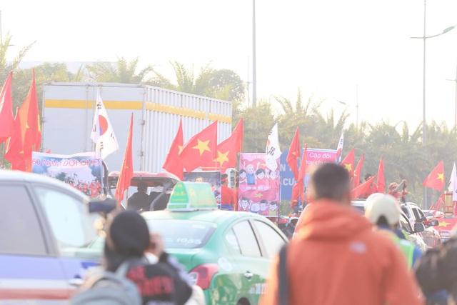 Thủ tướng Nguyễn Xuân Phúc chúc mừng HLV Park Hang-seo, Mai Đức Chung và toàn thể các cầu thủ vàng của bóng đá Việt Nam - Ảnh 35.