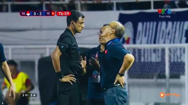 Biểu cảm đáng giá trên khuôn mặt của ông Park Hang-seo trong trận chung kết SEA Games 30 - Ảnh 7.